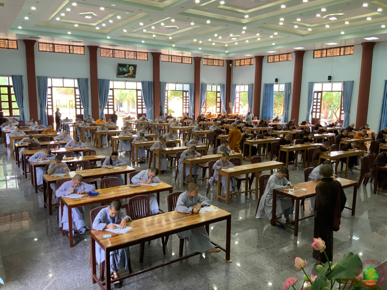 Trường TCPH Bình Định tổ chức thi kiểm tra chất lượng đầu vào khoá IX